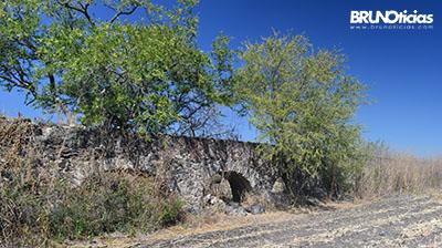 Vestigios de acueducto en Quiringüicharo