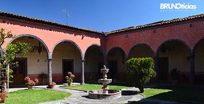 Casa grande de la Hacienda de Quiringüicharo