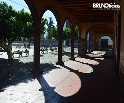 Portales del centro de Ecuandureo