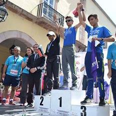 Carlos Echeverría se impuso en los 10 km de la carrera por el agua.