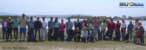 Voluntarios y funcionarios que participaron en esta 1era. campaña de limpieza.