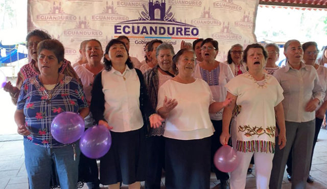 Talleristas en el Primer Encuentro Municipal del Adulto Mayor Ecuandureo