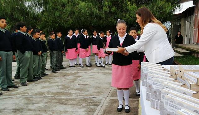 útiles escolares Ecuandureo CONAFE