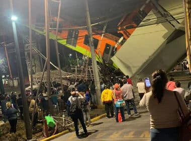 Metro puente se desploma